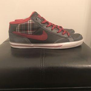 Nike Capri II Mid